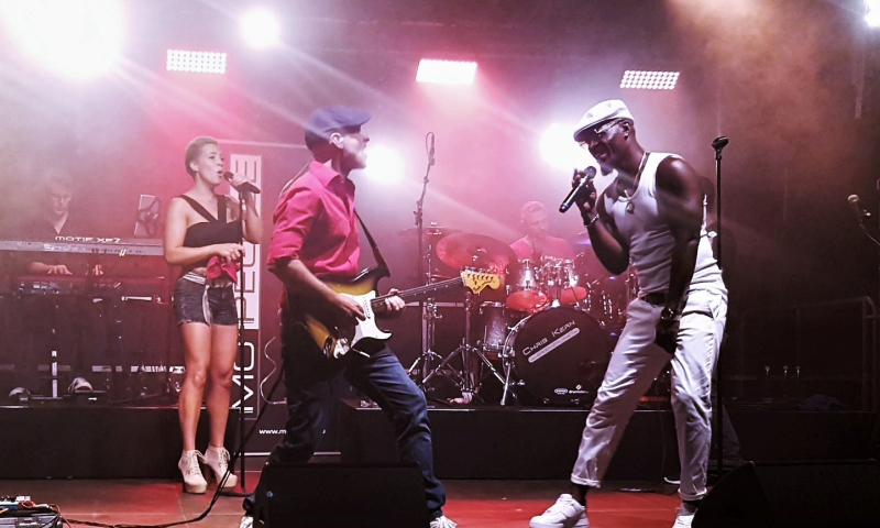 Mo-People Band02